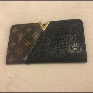 Non Authentic Louis Vuitton Print Wallet